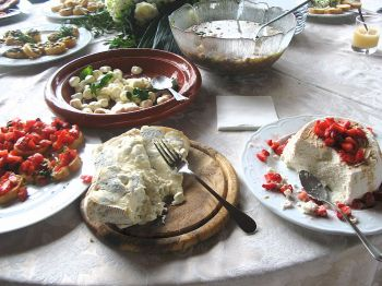 wedding lunch in Tuscany