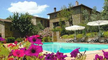 Poggio all'Olmo Tuscany holiday accommodations